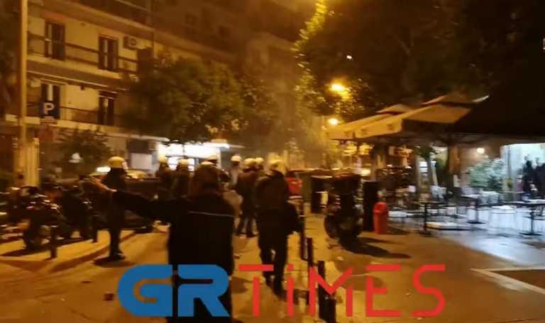 Πέραμα: Πορεία και επεισόδια στη Θεσσαλονίκη για τον 20χρονο νεκρό