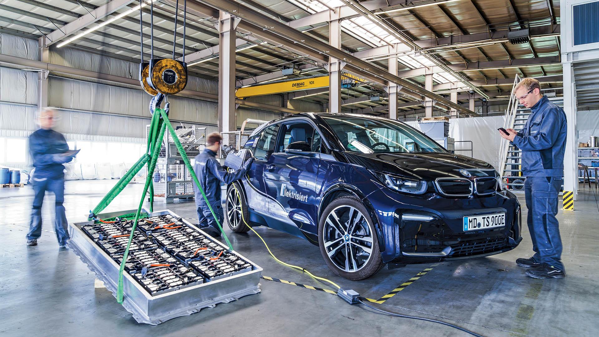 Επαναχρησιμοποίηση ή ανακύκλωση; Ποια είναι η σωστή λύση για τις μπαταρίες των ηλεκτρικών αυτοκινήτων;