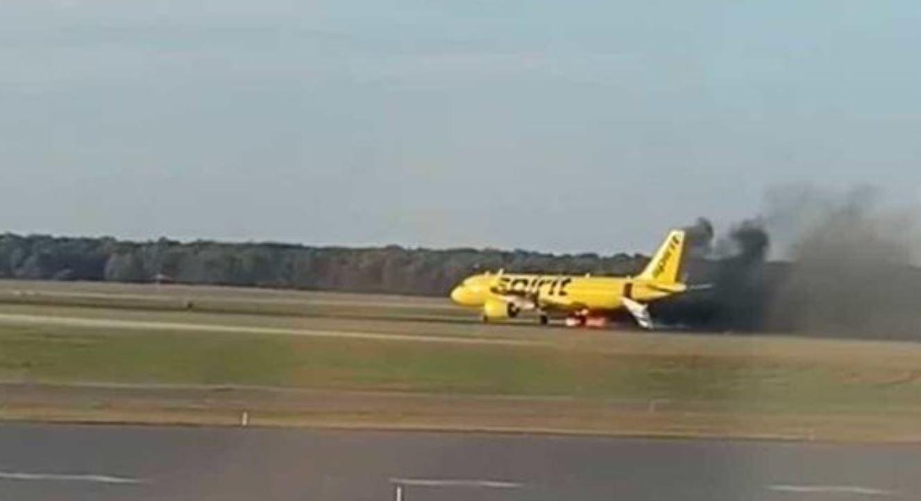 ΗΠΑ: Αεροπλάνο πήρε φωτιά αφού το χτύπησε πουλί