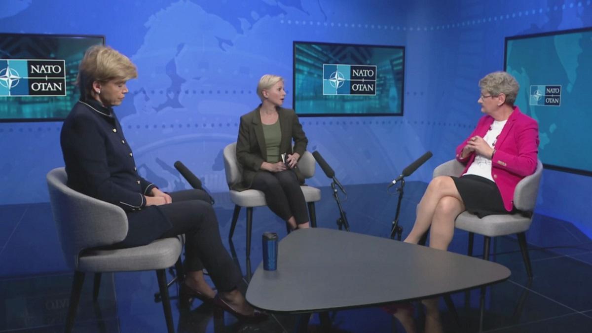 NATO – Γυναίκες σε διπλωματικές θέσεις: Κριτήριο πρόσληψης ο επαγγελματισμός και όχι το φύλο