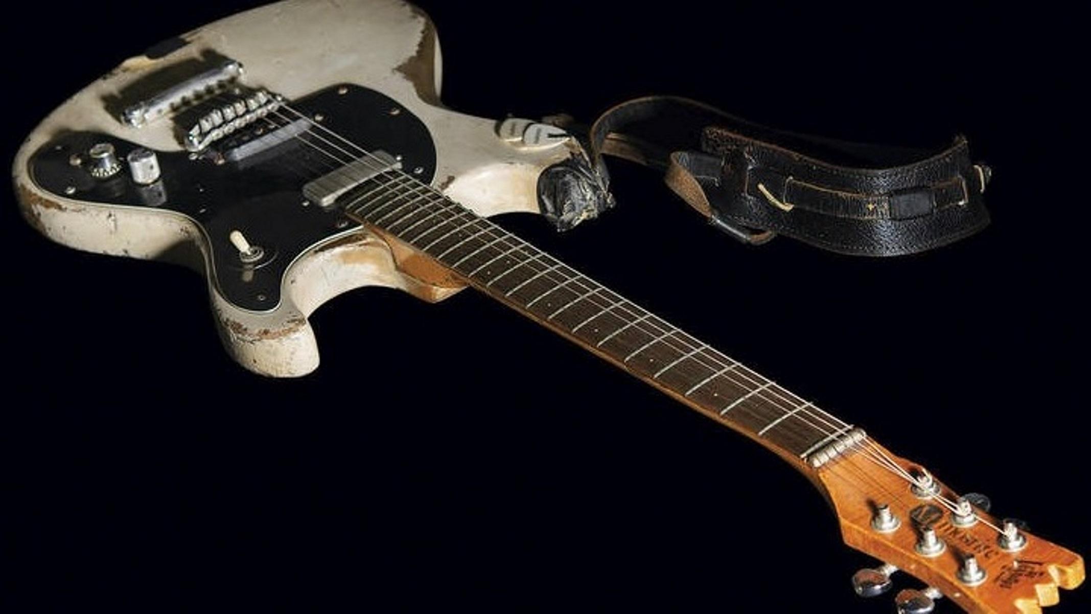 guitar Ramone APEMPE 04 10 2021