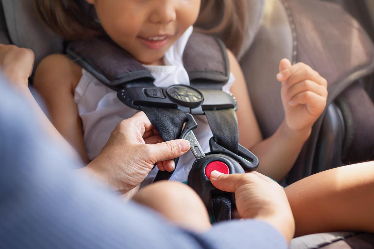 Παιδικό κάθισμα αυτοκινήτου: Το λάθος που κάνουν οι γονείς στην τοποθέτησή τους