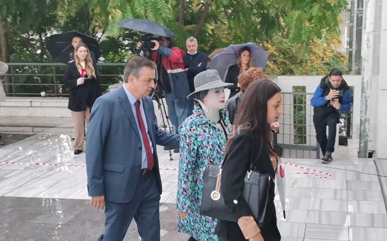 Επίθεση με βιτριόλι - Ιωάννα Παλιοσπύρου σε Έφη Κακαράντζουλα: Θα πεις την αλήθεια ή να φύγω; Ζήτησε συγγνώμη η δράστις