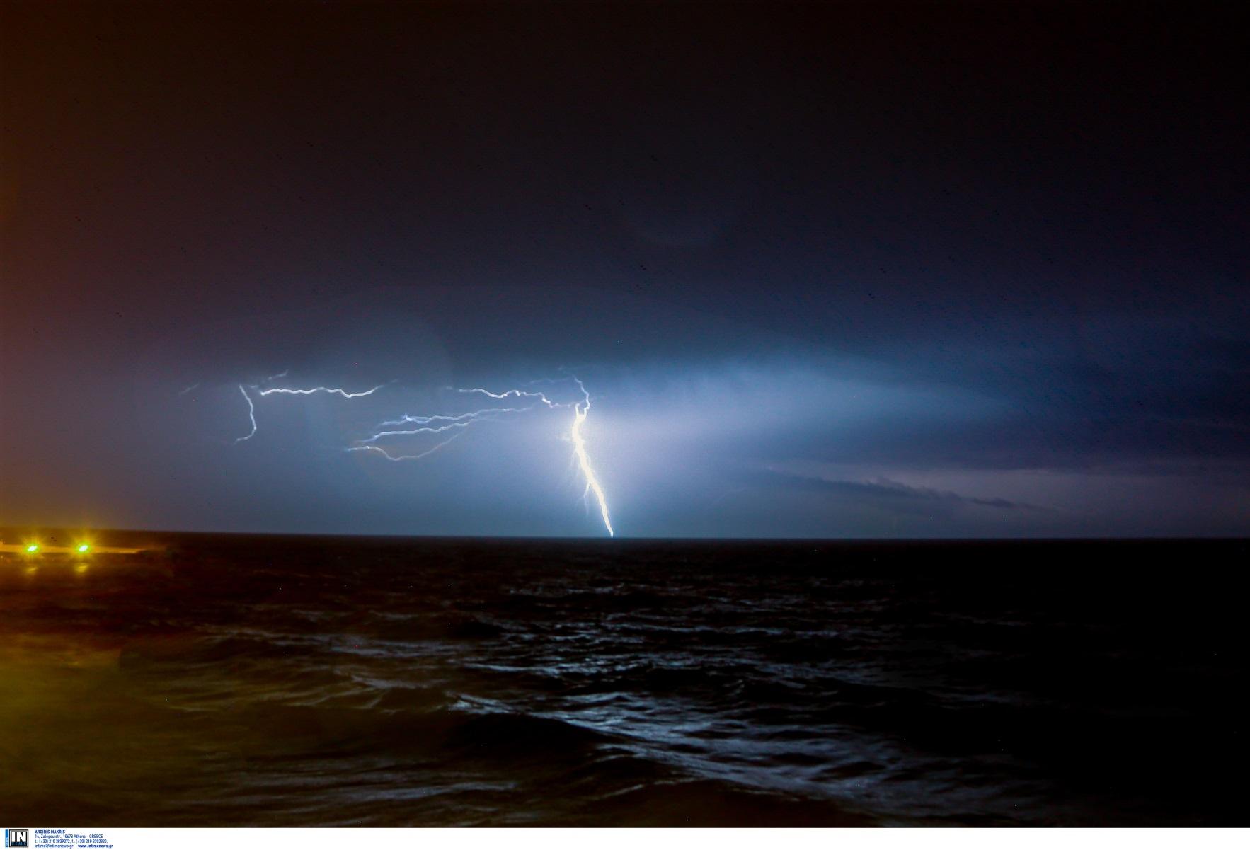 Καιρός σήμερα – Κακοκαιρία «Αθηνά»: Ισχυρές βροχές, μπόρες και χαλάζι