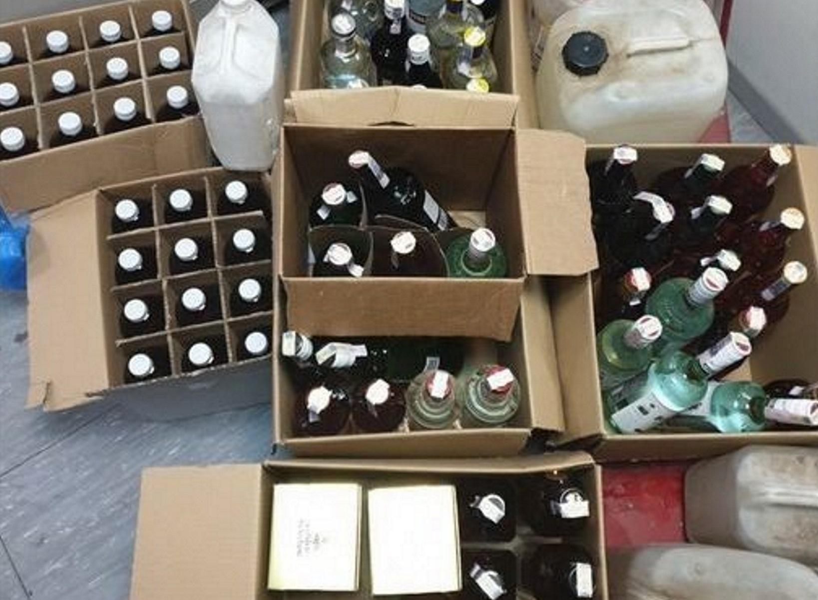 Θεσσαλονίκη: Έφερναν από τη Βουλγαρία και πωλούσαν λαθραία αλκοολούχα ποτά