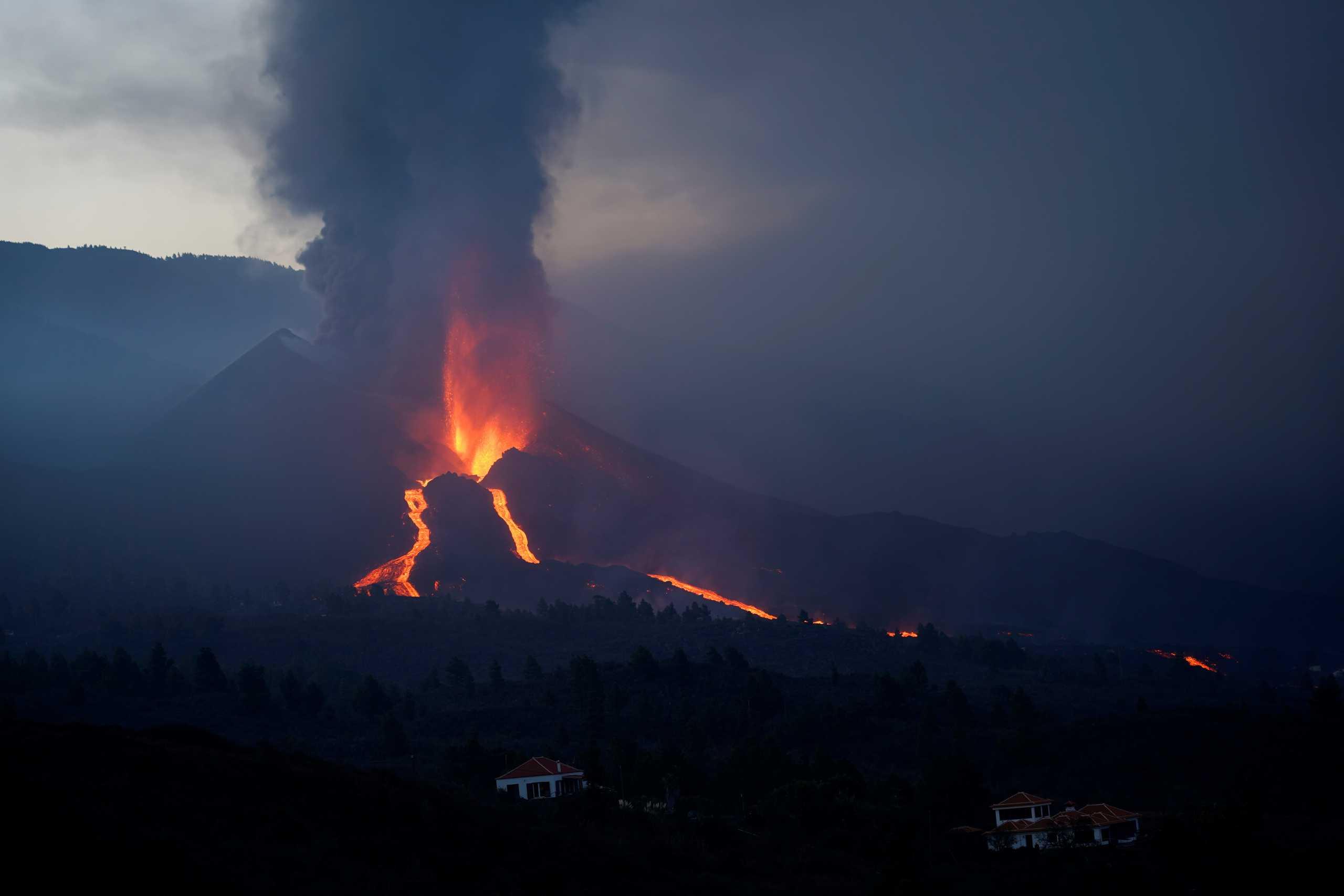 Λα Πάλμα: Διαλύθηκε το νέφος από την ηφαιστειακή τέφρα – Τέλος το lockdown για τους κατοίκους
