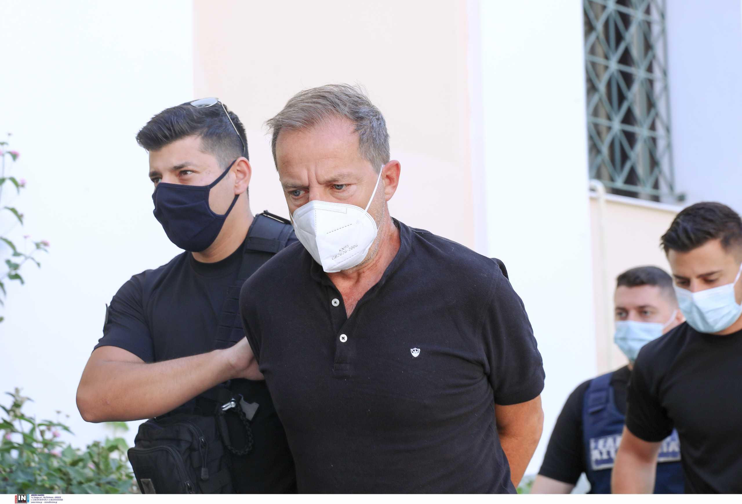 Δημήτρης Λιγνάδης: Κάνει μηνύσεις εναντίον θυμάτων και μαρτύρων