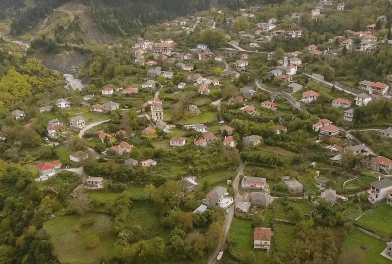 Μελισσουργοί: Ένα ειδυλλιακό χωριό από πέτρα και ξύλο