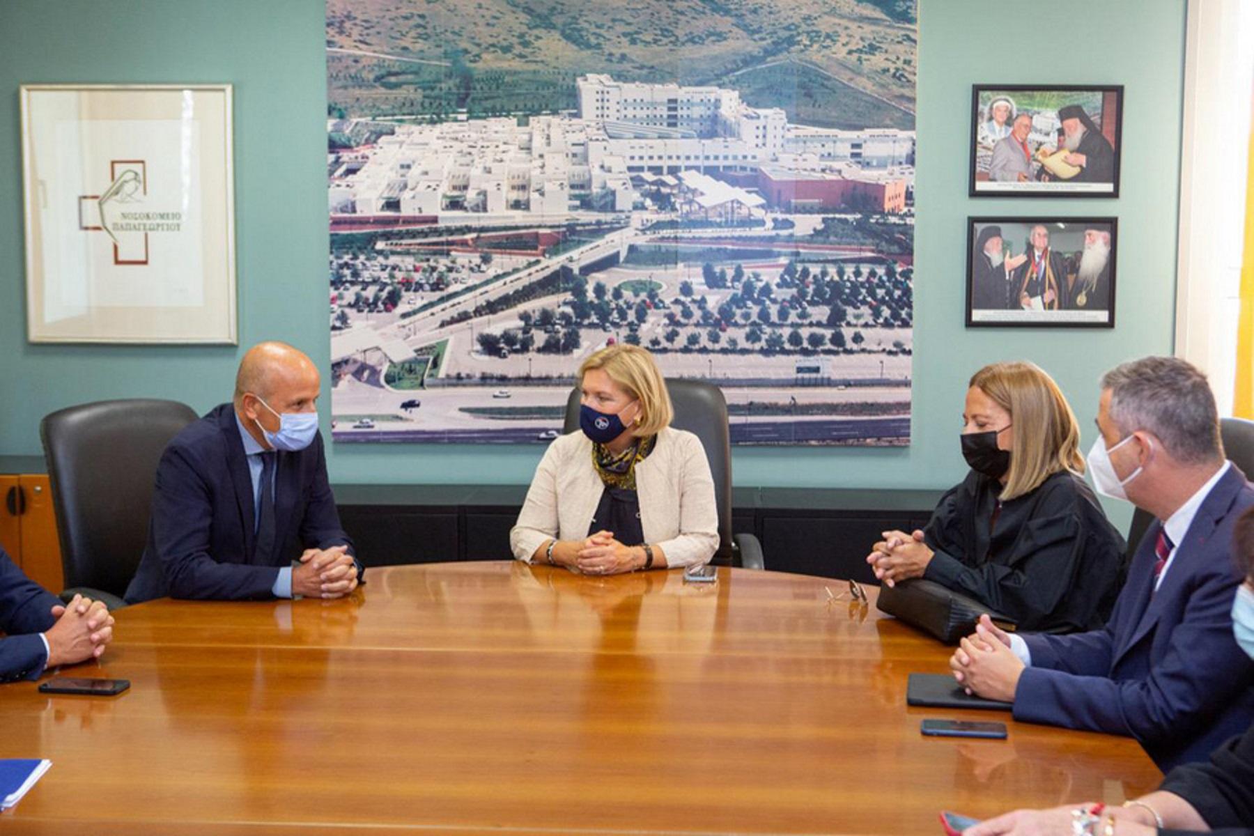 Κορονοϊός – Μίνα Γκάγκα: Επίσκεψη σε νοσοκομεία στη Βόρεια Ελλάδα για την ενίσχυση τους