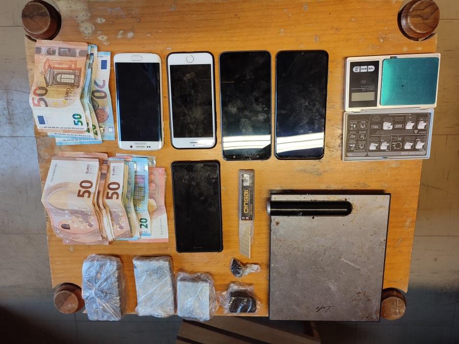 «Χτύπημα» σε μεγάλο κύκλωμα ναρκωτικών – 9 συλλήψεις για τη διακίνηση σε όλη την Ελλάδα