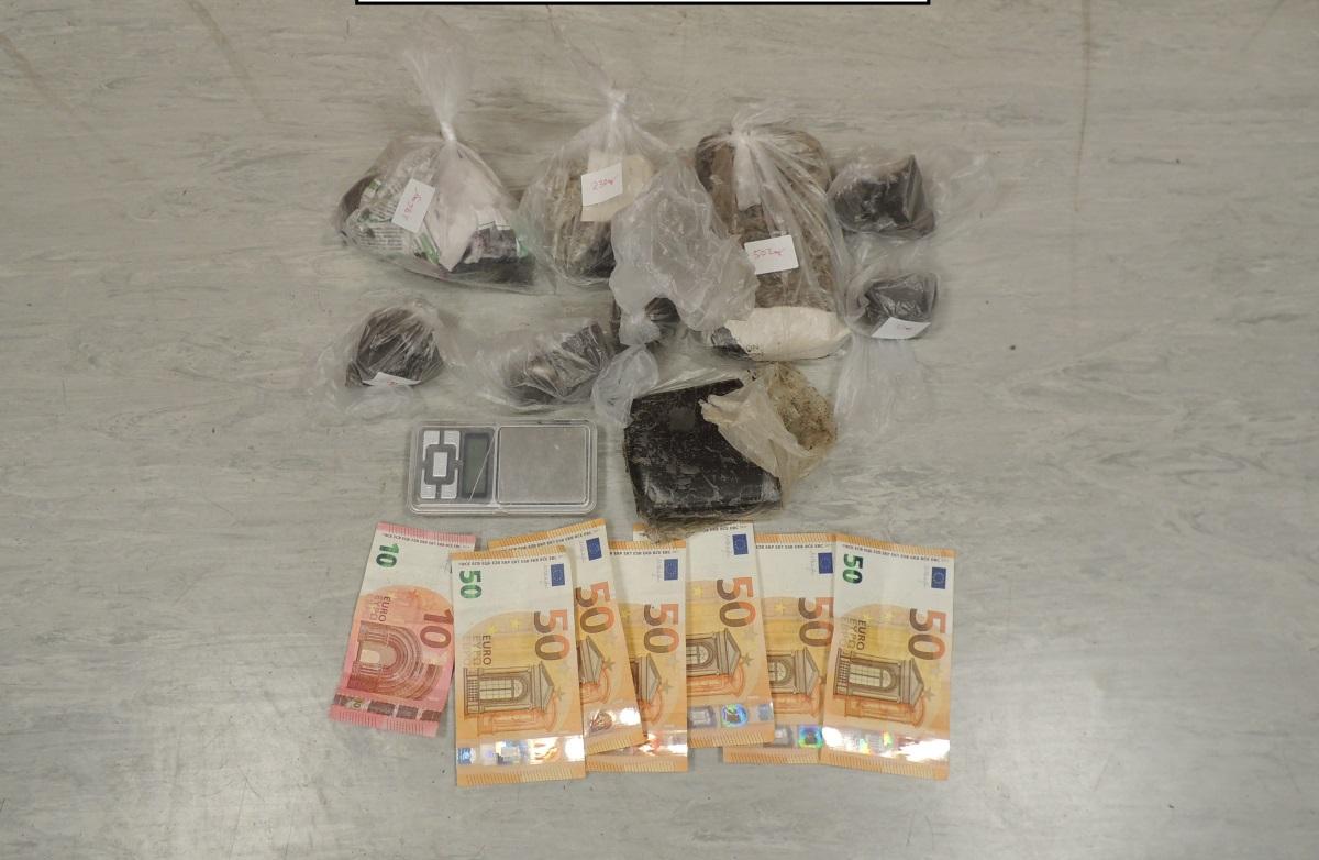 Ζεφύρι: Συνελήφθησαν δύο άτομα με 1,5 κιλό ηρωίνη