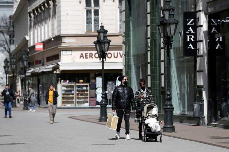 Ουγγαρία: Ρεκόρ εξαμήνου στα ημερήσια κρούσματα κορονοϊού