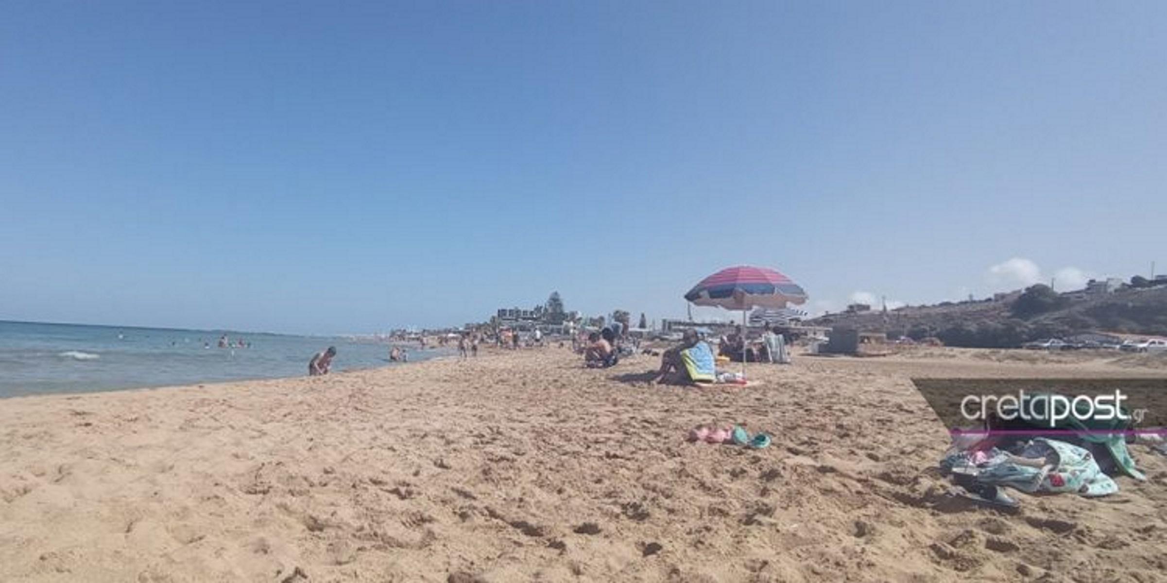 Κρήτη: Όταν λείπει η κακοκαιρία «Αθηνά» – Ξεχύθηκαν στις παραλίες για βουτιές και ηλιοθεραπεία