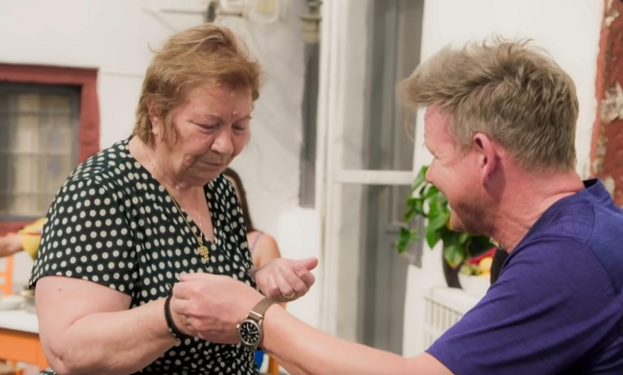 Σαντορίνη: Η γιαγιά που βρήκε «λύσσα» το φαγητό του Γκόρντον Ράμσεϊ εξηγεί το λάθος του σεφ