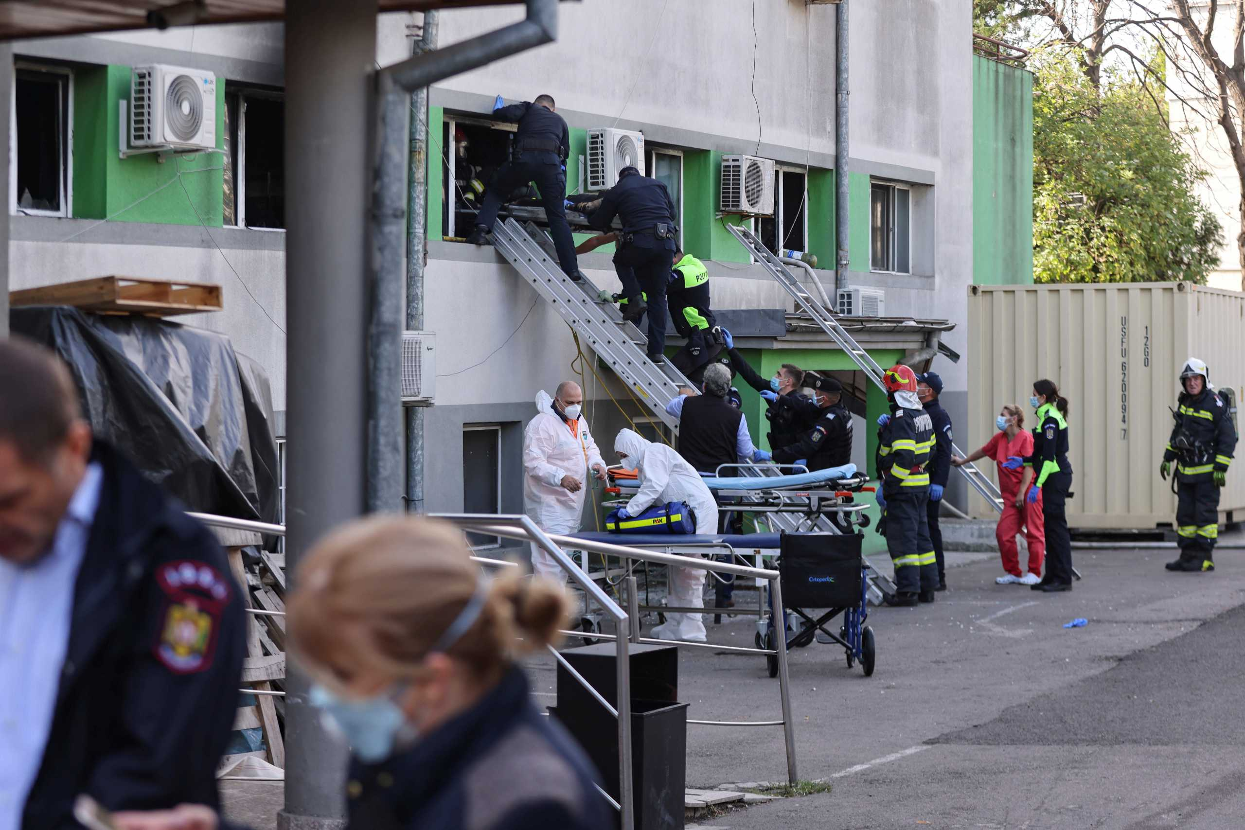 Ρουμανία: Νεκροί 7 ασθενείς με κορονοϊό από φωτιά σε νοσοκομείο στην Κωνστάντζα