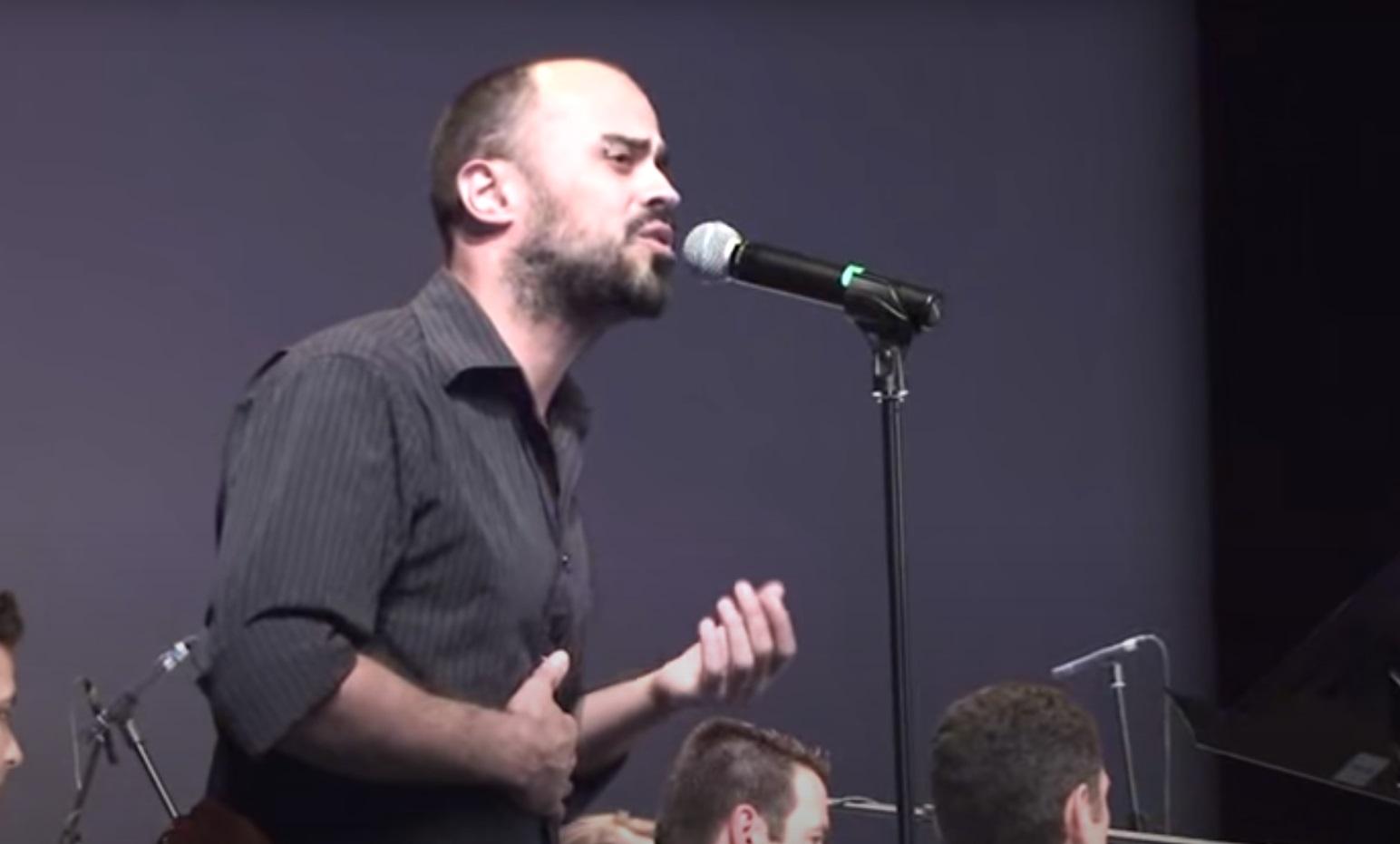 Πέθανε ο τραγουδιστής Δημήτρης Σαμαρτζής