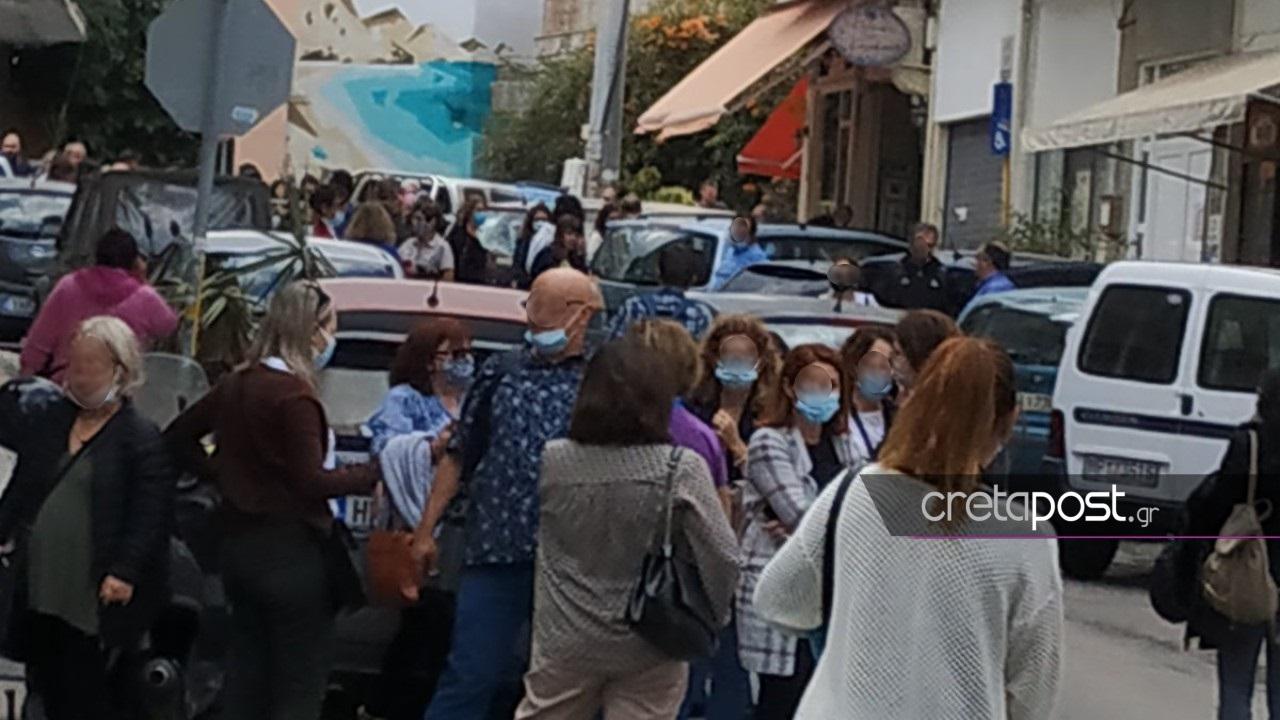 Σεισμός στην Κρήτη: «Στην αρχή νόμιζα ότι ζαλίζομαι»