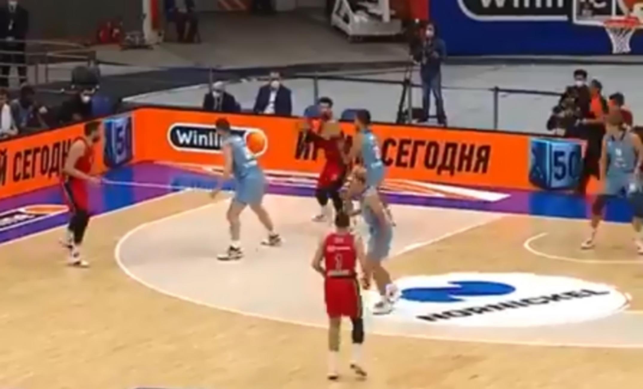 Euroleague, ΤΣΣΚΑ Μόσχας – Ζενίτ Αγίας Πετρούπολης 77-67: Τρομερός Σενγκέλια «καθάρισε» το ρωσικό ντέρμπι με ρεκόρ καριέρας