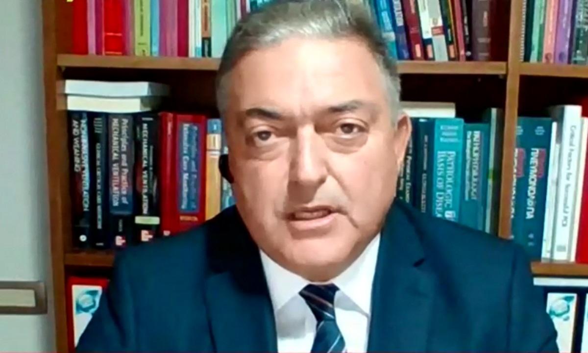 Θεόδωρος Βασιλακόπουλος – Κορονοϊός: Να απαγορευτεί η μουσική συνολικά
