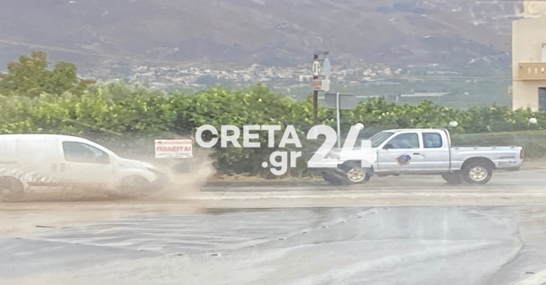 Κρήτη: Πλημμύρισαν δρόμοι στη Μεσαρά από σφοδρή βροχή