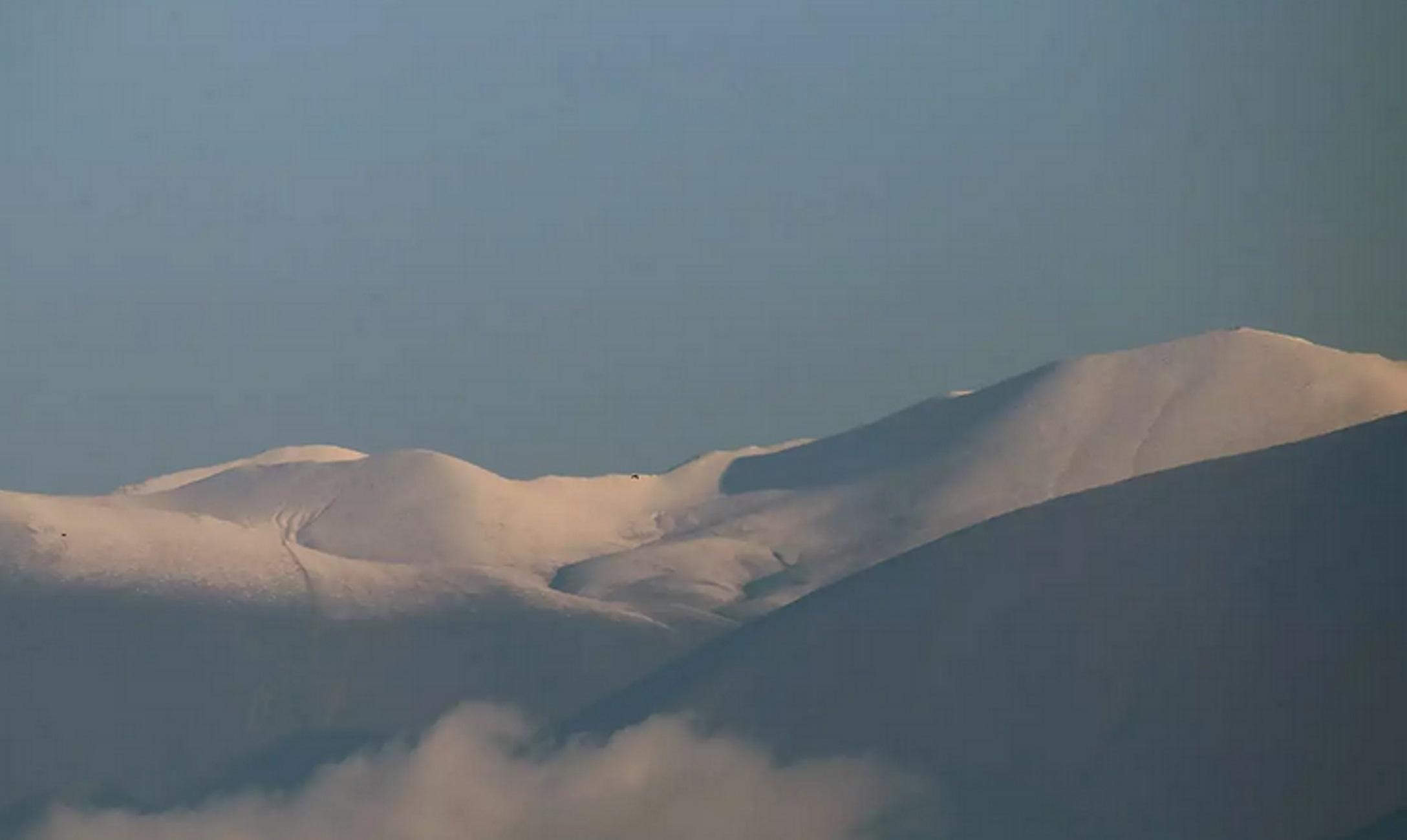 Καιρός: Χιόνια στον Όλυμπο – Νέες ειδυλλιακές εικόνες με το βουνό των Θεών «ντυμένο» στα λευκά